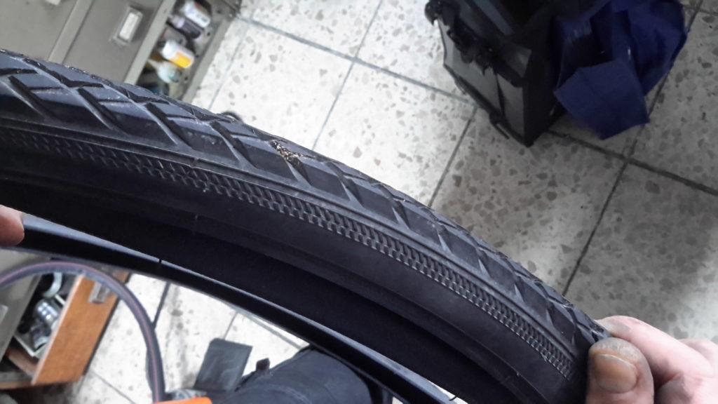 Dorn im Reifen