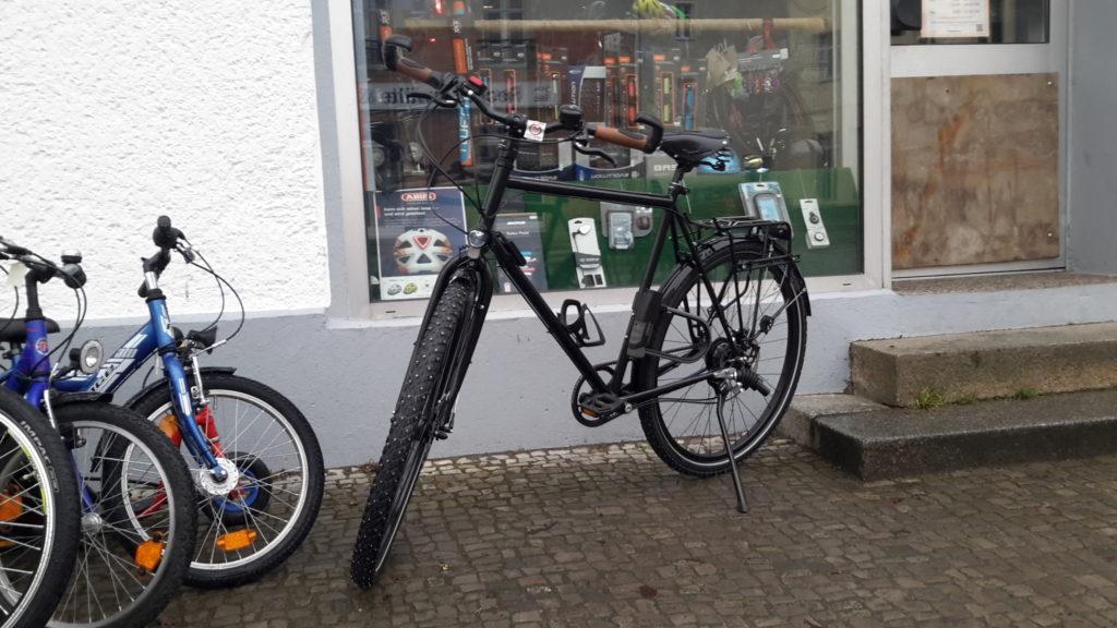 Fertig aufgpebautes Fahrrad